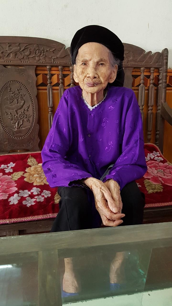Phụng dưỡng Mẹ Việt Nam Anh Hùng